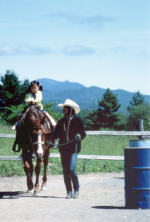 女の子と馬2